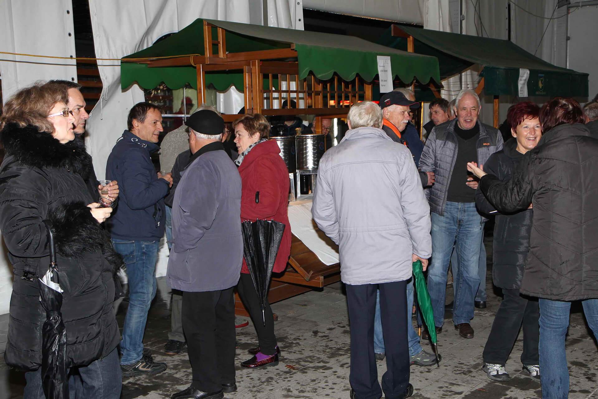 Martinovanje na tržnici v Žalcu 2016